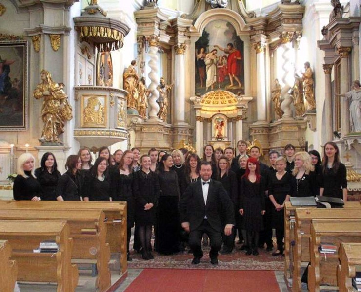 Latvian choir in the churche